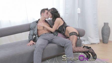 Hindi Sex Hot In Bedrooms