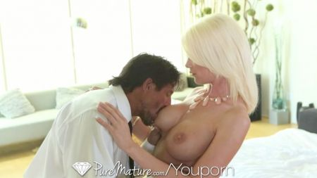 Hot Point In Pussy