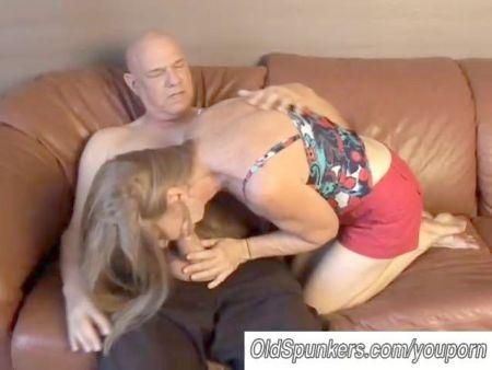 Old Granny Give Handjob Till Cum