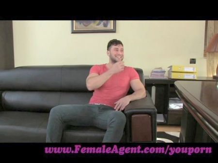 Hot Chica Goes Down On Guy In The Office