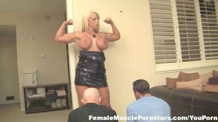 Lisa Ann Oil Massage