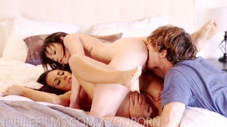 Bhabi Hot Kissing Affirs