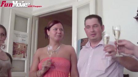 Girls And Girls Doing Sexy
