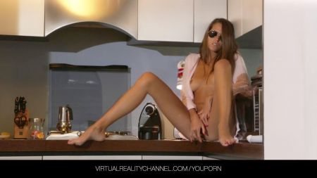 Sexy Hot Stepmoms And Young Boys