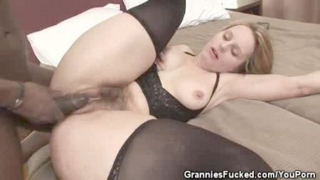 Hard Sex With Aunty And Young Boy