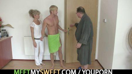 Hot Blonde In Amature Anal Sex Movie Scene 1