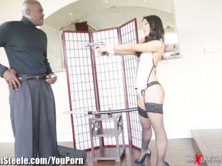 Moms Pantie Removed By Son