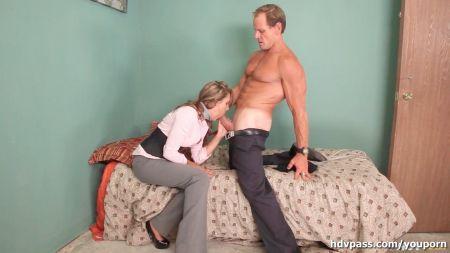 Hot Mom Dad Sleep Come To Bad Room Son Sex
