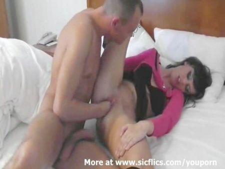 2 Girls Sleep 1 Boy Go And Fuck