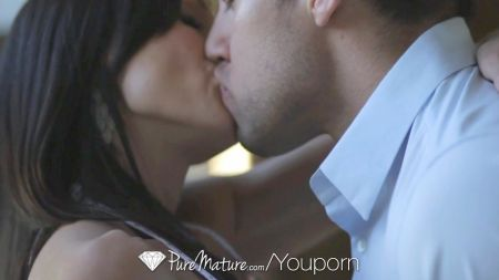 Hot And Romantic Video