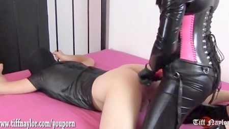 Horny Son Doing Sex With Mom