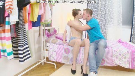 Mom Seduced To Son In Bedroom