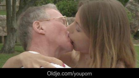Caustuem Man Sex Video