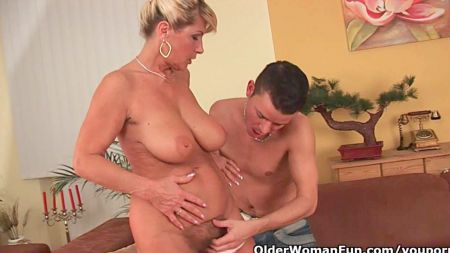 Daddy With Daughter After Wife Go Job