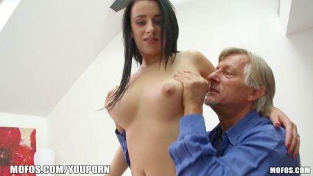 North Coria 18 Years Girl Porn