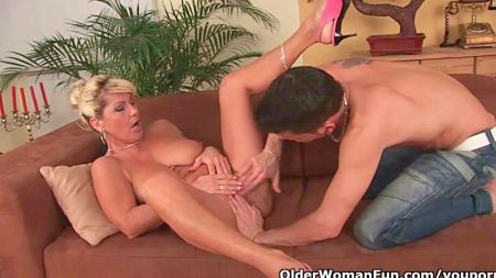 Large Breast Feeding And Fuck