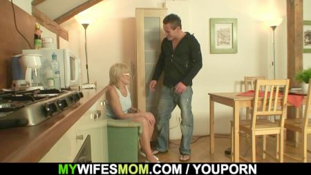 Step Sister And Brother In Bathroom