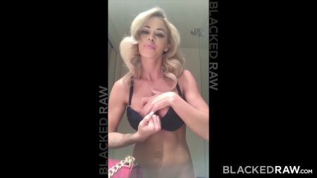 Best Lesbian Porn Using Toy