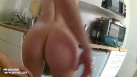 German Porn Babe Suck Knob And Money Shot