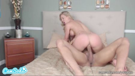 Girl Fucked In Club Room