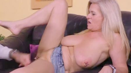 Young New Stepmom Blowjob