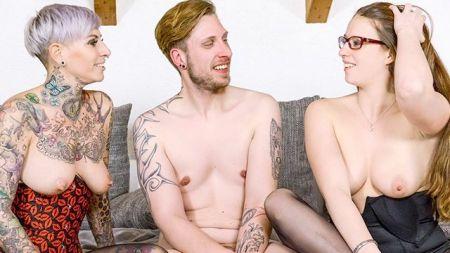 Desi Saree Girls Nude