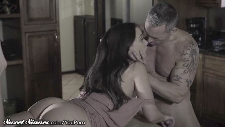 Monalisa Hot Bed Scene
