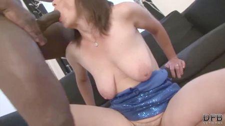 Desi Sex Stage Dance