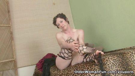 Horny Lilly In Saree