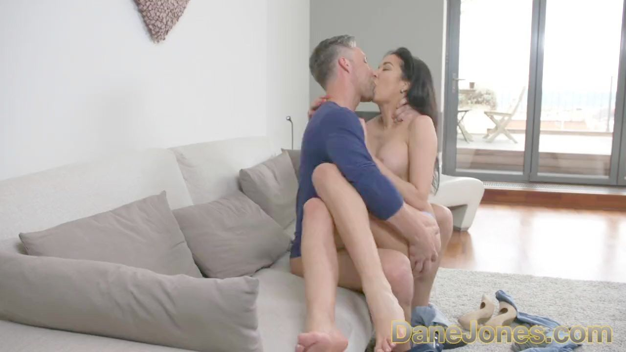 small tight pussygettin fucked by a huge dick