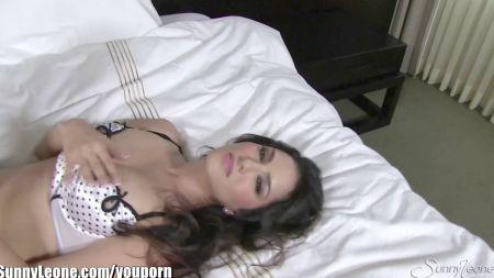 Sister Porn Selfi Brother Blackmail Bedroom Selfi Pic