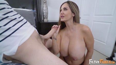 Michelle H Is Tied Up And Fucked