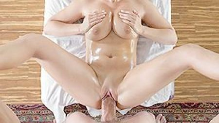 Hot Oral Sex In The Morning