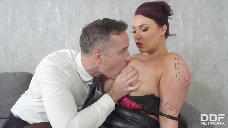 Very Small Girl Fuck Video
