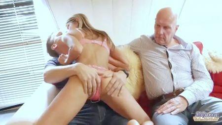 Sleeping Sister Boob Teaching Xxx Video