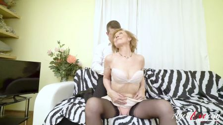 Hot Stepmom And Young Boy Sex