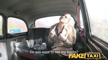 Sunny Leone Fuck In Car