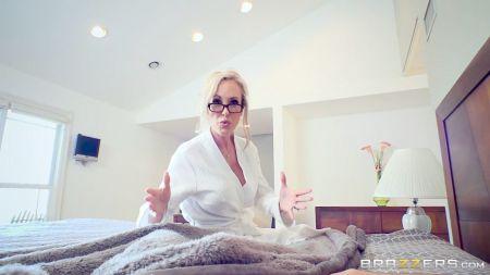 Sunny Leone Massage Sex