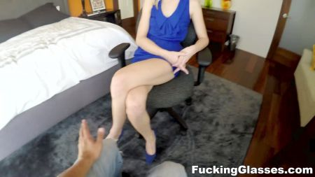 Sex With Mom In Cenima