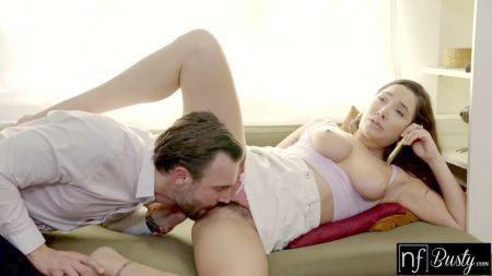 Hause Wife Saree Hot